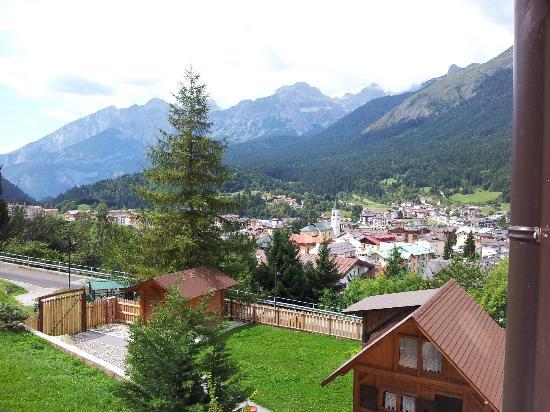 Hotel Pian Castello: Vista spettacolare dal balcone