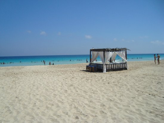 Jaz Almaza Beach Resort: gazebo spiaggia
