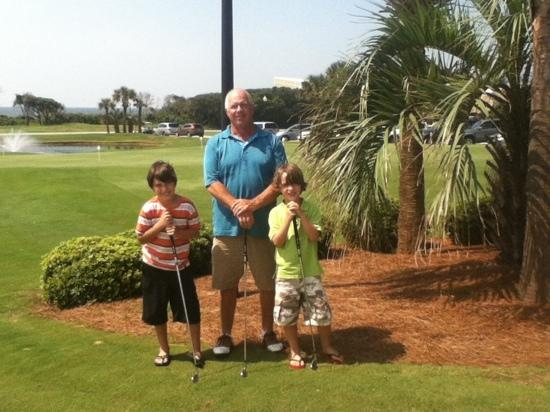 Caswell Beach, Carolina del Norte: Pop Pop golfing with his buddies!