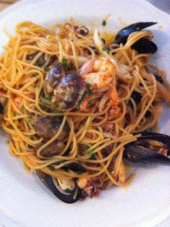 Al Pesciolino: Spaghetti ai frutti di mare