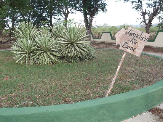 Islazul La Lupe: Ranchon Rio Bano un brin asséché au 25 mars 2012.
