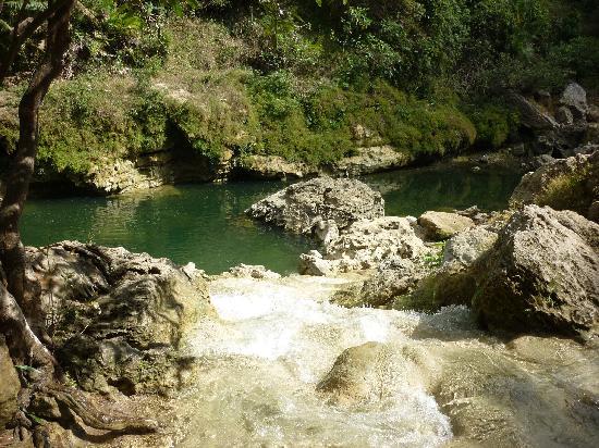 Gunung Kidul, Indonesia: feel free to swim :)