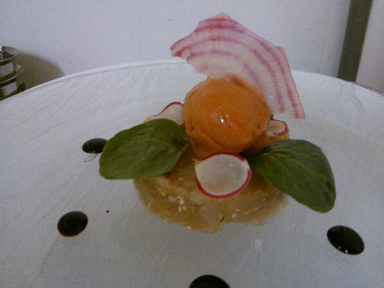 Bistrot de la Place : tartare de cabillaud sésame, sorbet tomate basilic