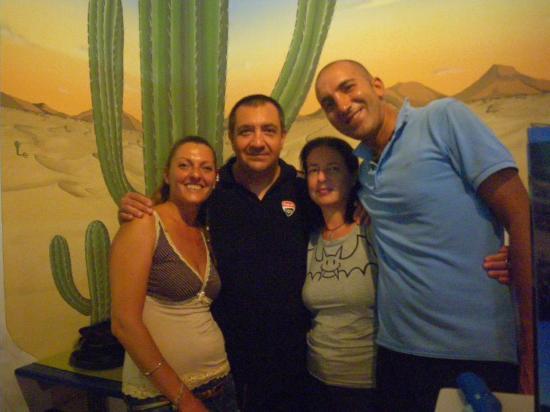 Kactus Café: Carla, Max, Bianca ed Ivan.