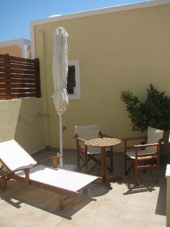 Chez Sophie Rooms & Suites: Veranda