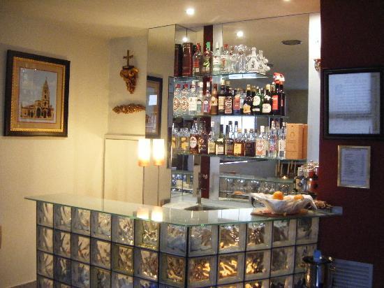 Hotel Cardena: Cafetería