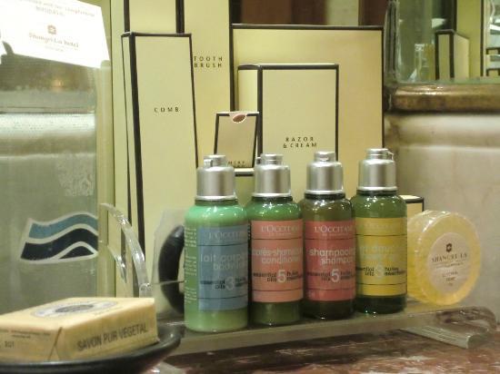 Shangri La Hotel Bangkok Bathroom Supplies