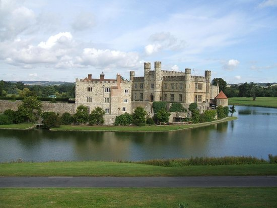 Leeds Castle Stable Courtyard Bed & Breakfast: Castle Island