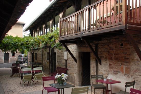 Bourg-en-Bresse, France: Le patio
