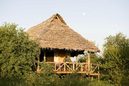 Lake Burunge Tented Camp: Tent from outside