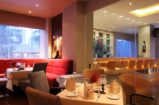 Bruno's Restaurant and Wine Bar : Bruno's Restaurant Main Room