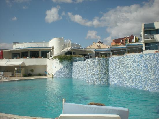 PrimaSol Sineva Park: piscine
