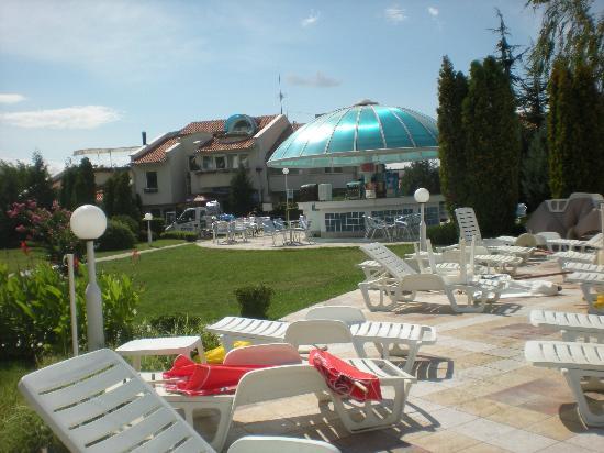 PrimaSol Sineva Park: bar et transat