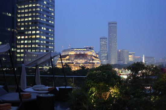 The Fullerton Bay Hotel Singapore : View from roof top of Fullerton Bay