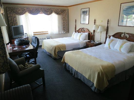 Holiday Inn Port Washington: Queen beds