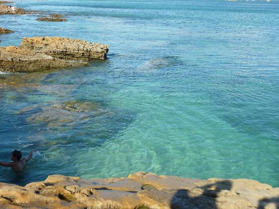 Praia da Luz: Crystal clear water