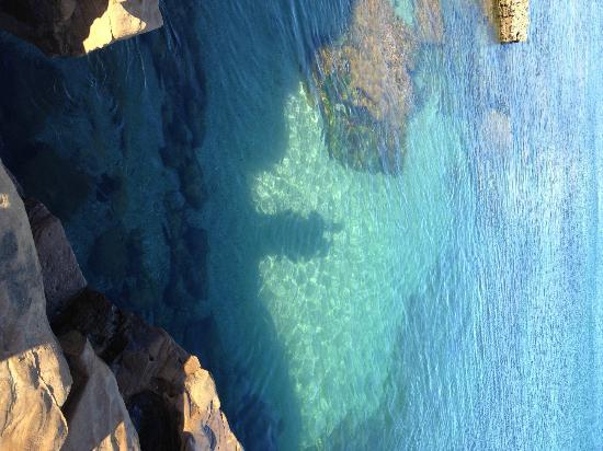 Praia la Luz: Near the rocks