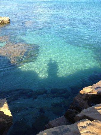 Praia da Luz: Near the rocks