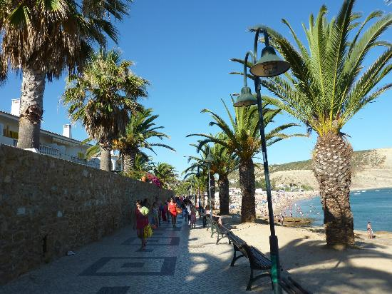 Praia da Luz: Going to the beach