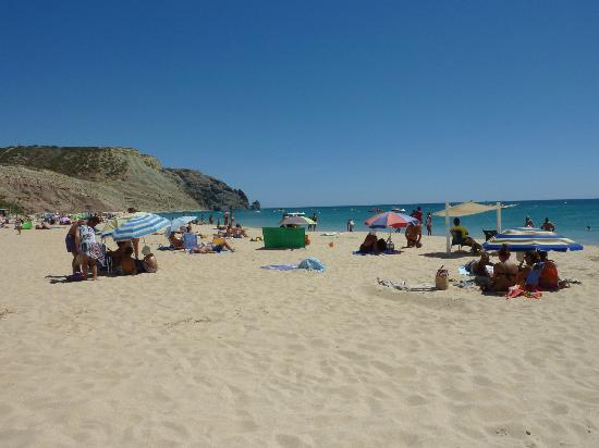 Praia da Luz: To the left