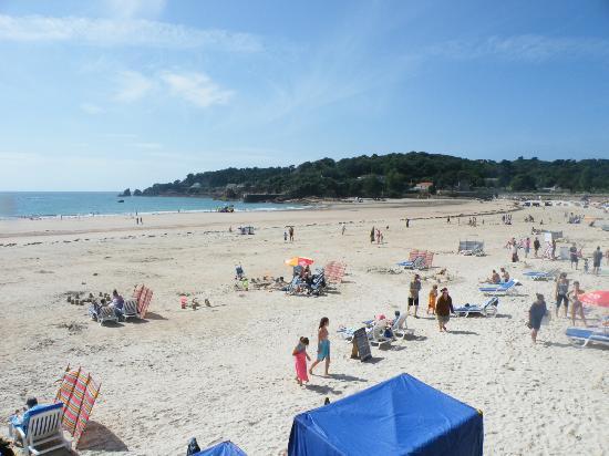 St. Brelade's Bay Beach : St. Brelade's Bay
