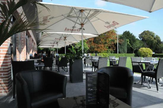 Le Domaine des Cigognes Hotel : Terrasse Restaurant