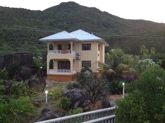 Jardin Marron: gli appartamenti fronte baia