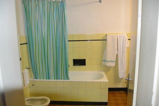 Ancora Hotel: bagno con vasca