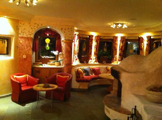 BelArosa Hotel: Kaminecke
