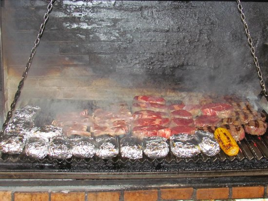 Poncho's: PARRILLA GRILL IN ACTION