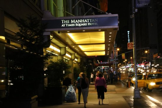 Club Quarters Hotel, opposite Rockefeller Center: Entrance