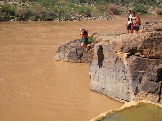 Arizona Raft Adventures: Jumping into river