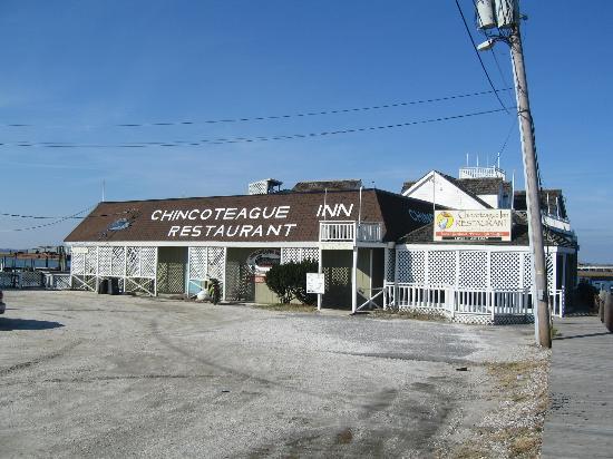 P.T. Pelican's Intercoastal Deck Bar: Chincoteague Inn Restaurant