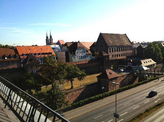 B&B Hotel Nuernberg-City: Вид из комнаты