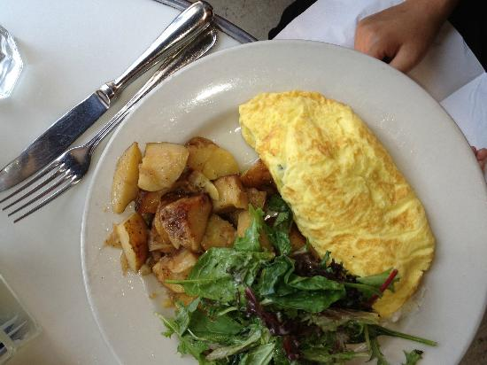 Moutarde: Omelette with Spinach and Goat Cheese