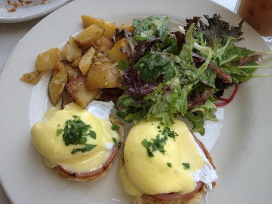Moutarde: Eggs Benedicte
