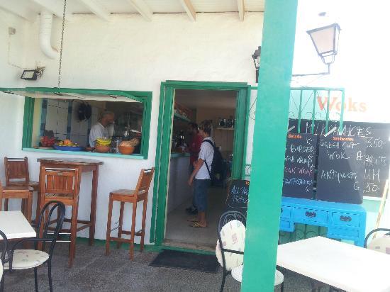 Surf Corner Cafe Bar: cafe