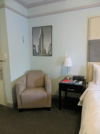 414 Hotel: Comfortable sitting area