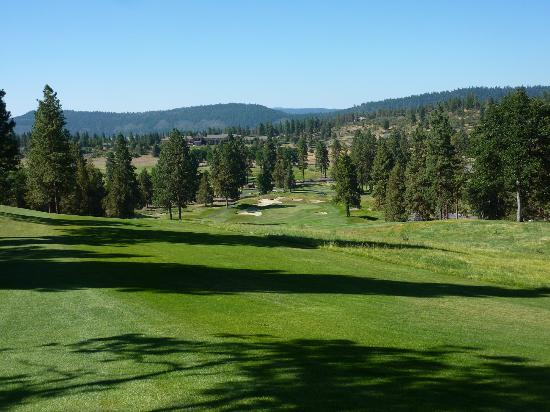 Running Y Ranch Golf Course: Tried to get a photo of the 9th hole, just doesn't do it justice!