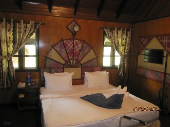 Sepilok Nature Resort: Inside the bungalow