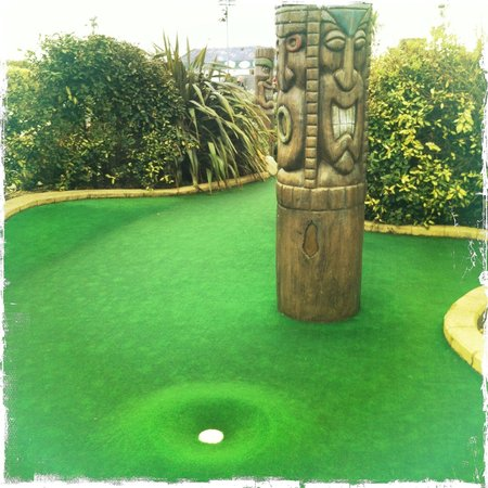 ‪Adventure Golf Hastings‬