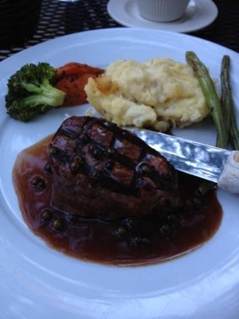 Stonehedge Gardens Wine Country Bistro: Filet Mignon