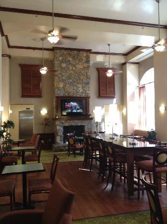 Hampton Inn & Suites Florence-North/I-95 : lobby area