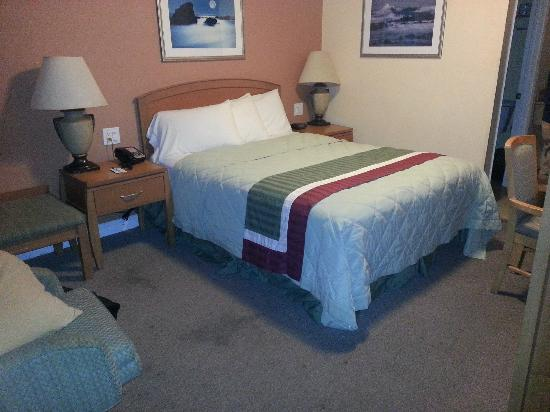 Rodeway Inn & Suites Near the Coliseum & Arena: Room 109