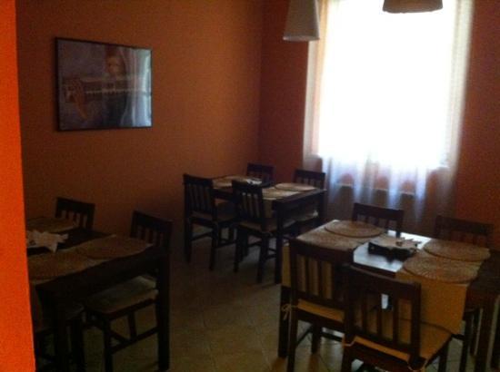 Heynow Hostel : dinning room
