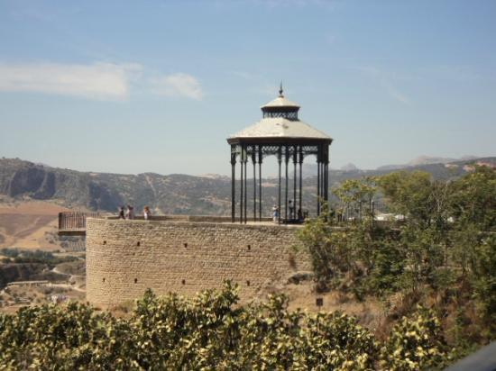 La Ciudad: gazebo from another angle