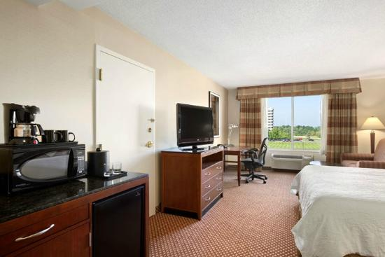 Hilton garden inn chicago oakbrook terrace il review for 1000 drury lane oakbrook terrace illinois 60181