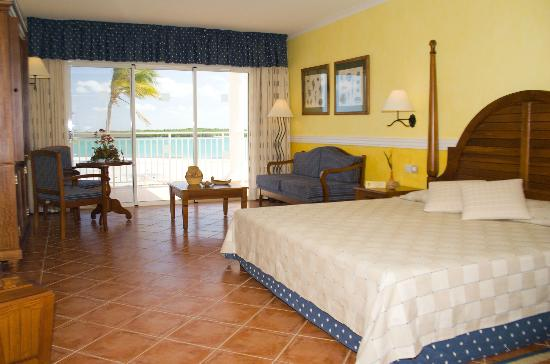 Blau Privilege Cayo Libertad vacation deals - Lowest