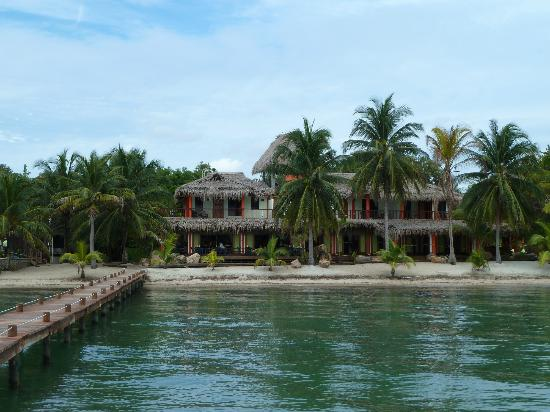 Robert's Grove Beach Resort : Main building of hotel from the end of the pier