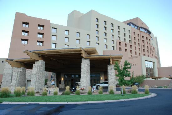 Sandia Casino & Resort: Entry into hotel